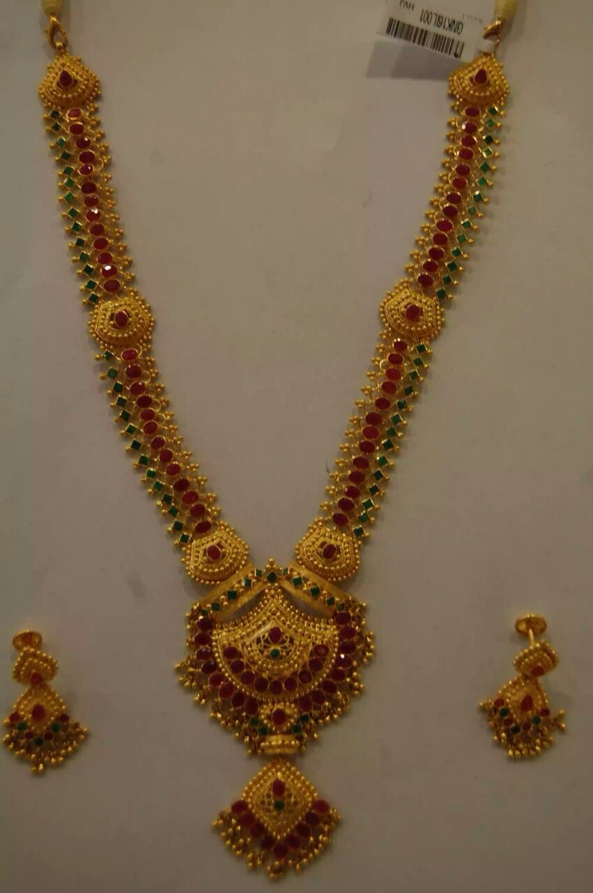 Letest modal gold designs: New modal gold naklesh with tops ...