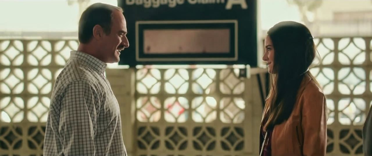 white bird in a blizzard-christopher meloni-shailene woodley