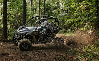 Triple Black CAN-AM MAVERICK 1000R TURBO