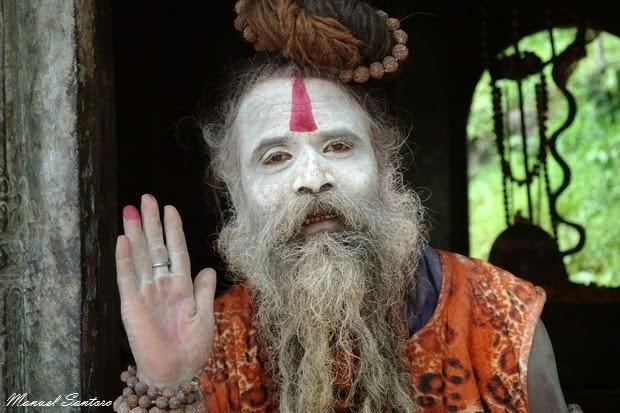 Pashupatinath, Sadhu