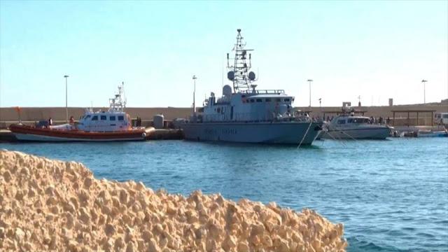 El barco humanitario Open Arms se halla en estado de necesidad