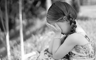https://pixabay.com/en/sadness-cry-expression-little-girl-1325507/