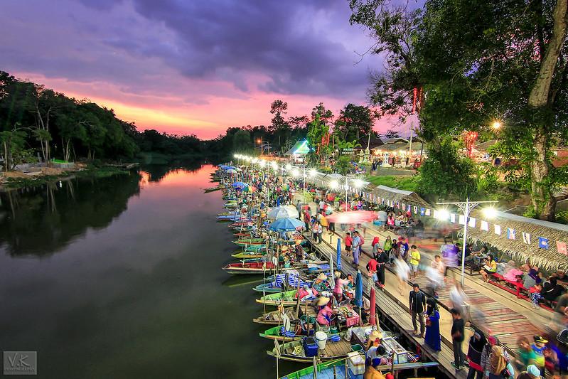 Khlong Hae Floating Market
