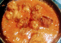 Adding chicken Tikka in sauce for Chicken Tikka masala recipe