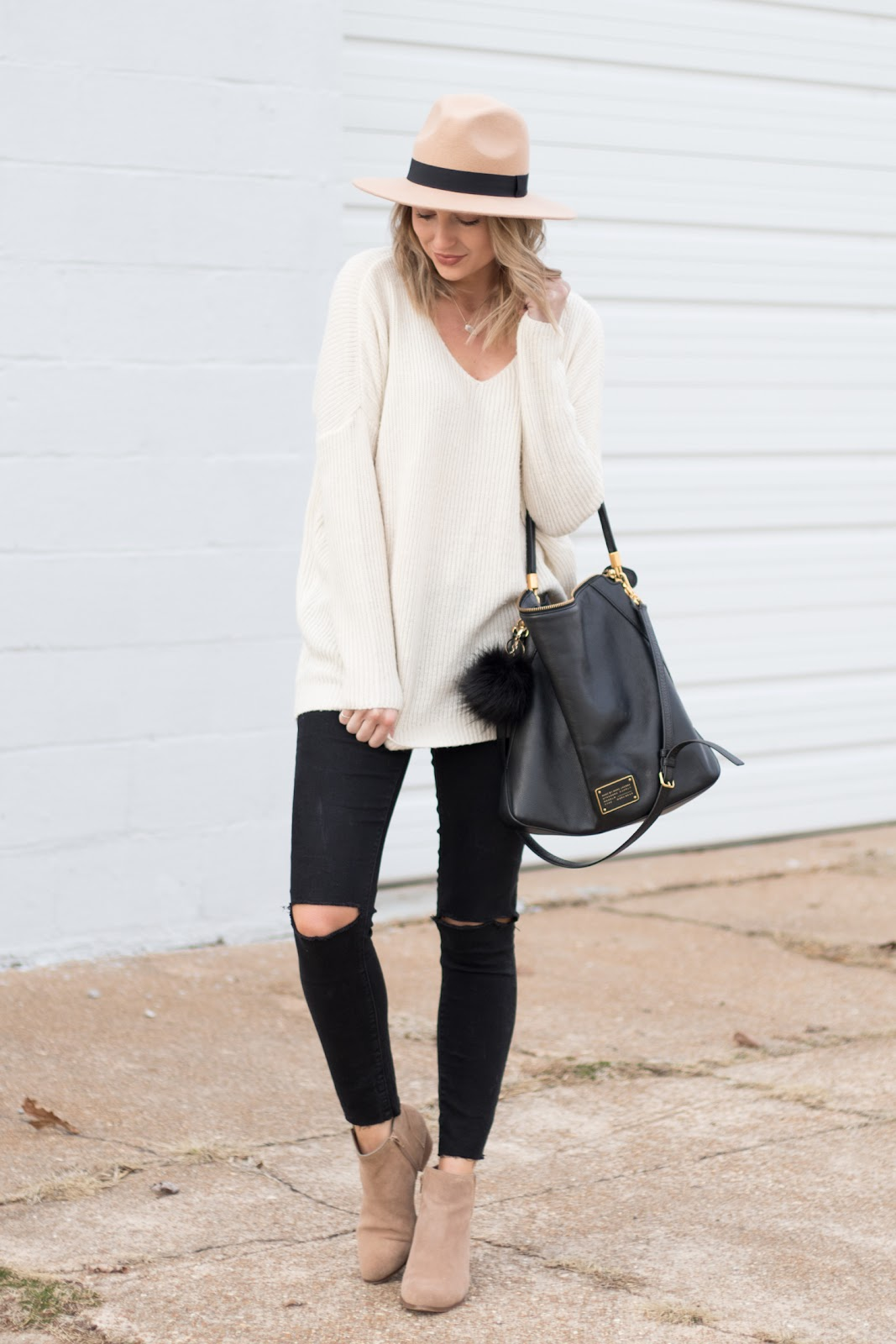 Casual neutral outfit idea