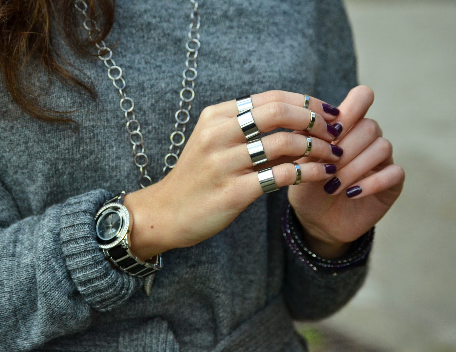 anelli a tutte le dita