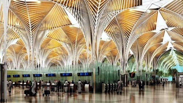 مطار الأمير محمد بن عبد العزيز الدولي