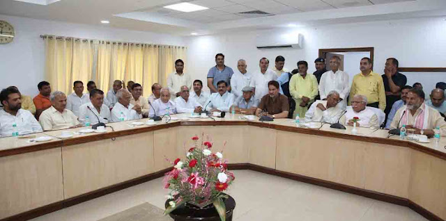 Delegation of Brahmin society met Chief Minister Manohar Lal, HSSC Chairman suspended till completion of inquiry