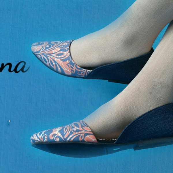 The Warna,Kolaborasi Kain Khas Indonesia Dalam Sepatu
