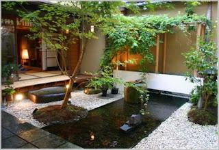 ide taman rumah minimalis dengan kolam ikan