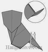 Bước 8: Gấp lộn ngược tờ giấy lên trên.