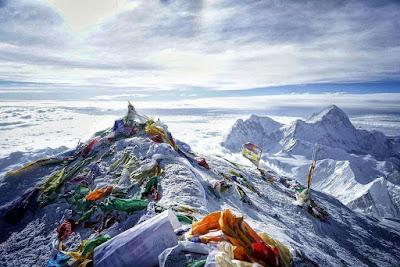 کوه قاف: حس یک تصویر - دعاهایی برای زباله دانی