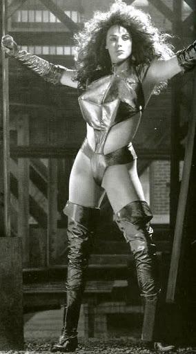 Sesión fotográfica de Brigitte Nielsen para la película Hulka