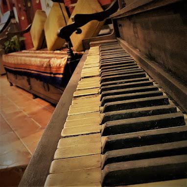 Download Piano Backing Tracks