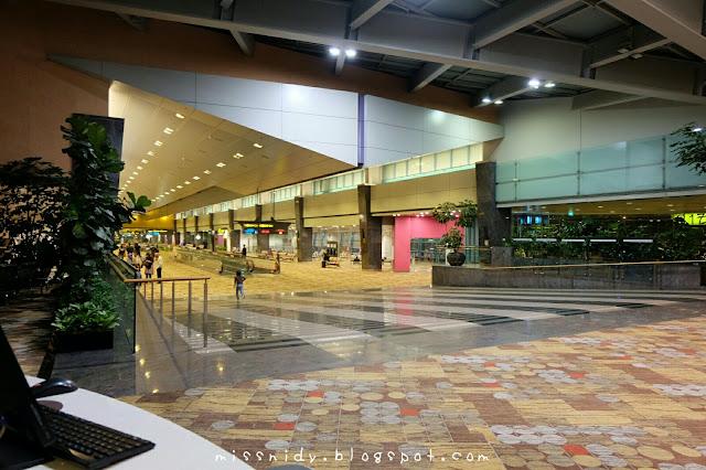 tidur di changi airport