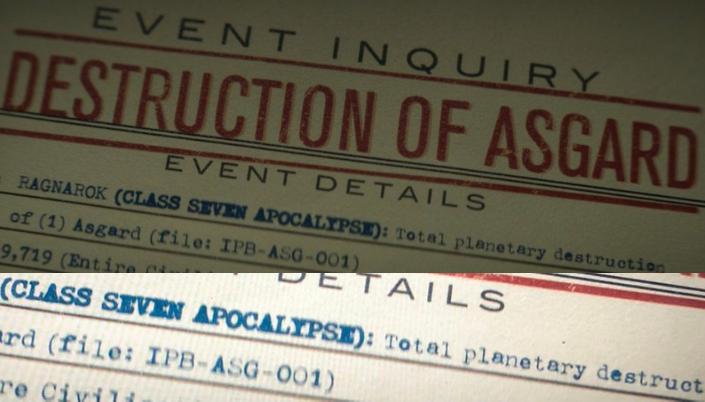 """Imagem: Papel de arquivo, intitulado """"destruição de asgard"""" dentre as informações visíveis estão: """"Ragnarok (apocalipse classe 7) destruição total do planeta."""