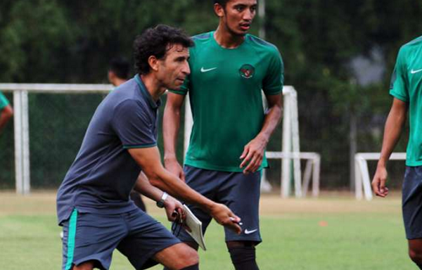 Target Luis Milla Setarakan Sepakbola Indonesia dengan Thailand