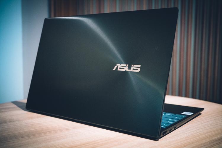 Review Asus Zenbook 14 UX425, Ultrabook Super Ringkas dengan Desain Mewah