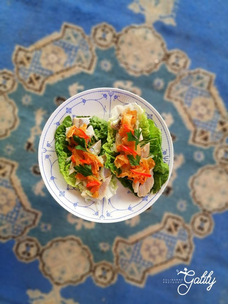 ryba-na-salacie-z-warzywami