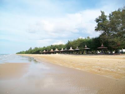 wisata pantai lumbang