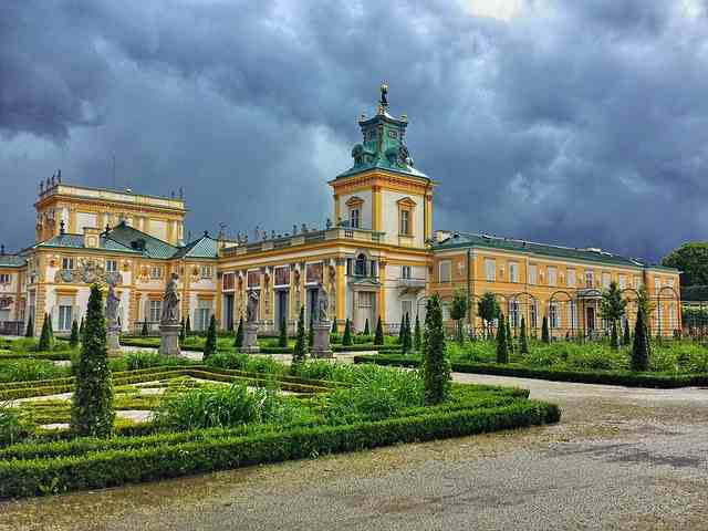 Best 10 Reasons to Explore Warsaw, Warsaw, Warsaw travel, Warsaw Poland, Warsaw Wilanów Palace, reasons to visit Warsaw