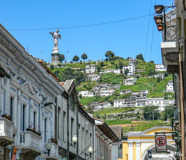 Virgem quitenha, Quito, Equador