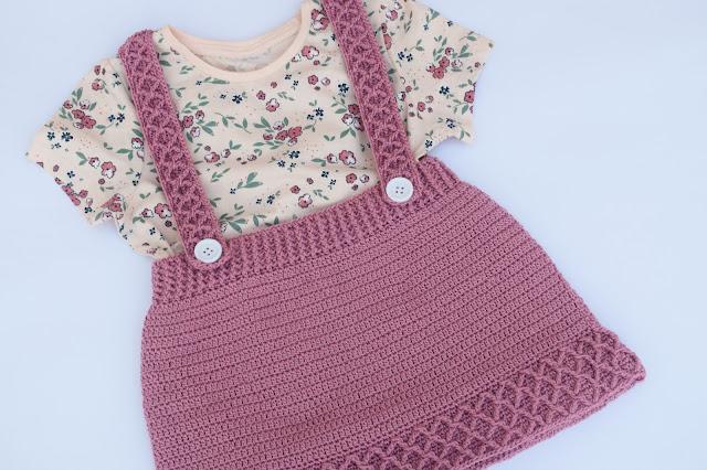 4 - Crochet Imagen Falda con tirantes a crochey y ganchillo por Majovel Crochet paso a paso facil sencillo familia batera punto alto punto bajo doble