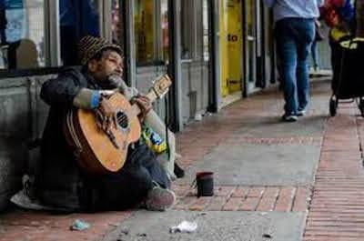 Người chơi đàn ở ga trung tâm- Xichlo-LtBNN