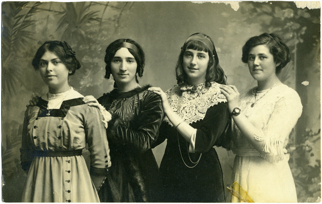 45 charming photos of teenage girls in the 1910s vintage everyday