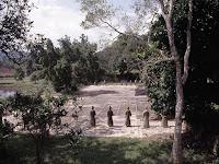 Patio de la tombe de l'empereur Gia Long à Hue