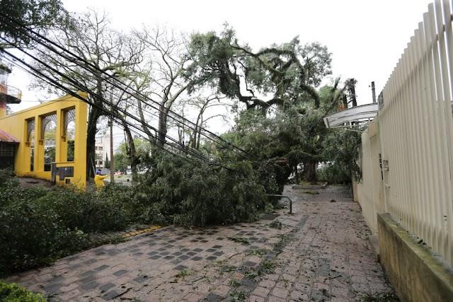 Mais de 18 mil pessoas foram afetadas por temporal; Paraná segue em alerta