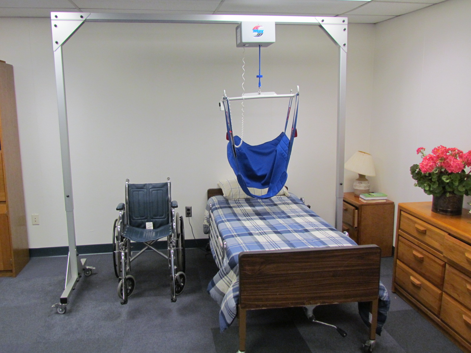 A Freestanding Overhead Patient Lift System For Home