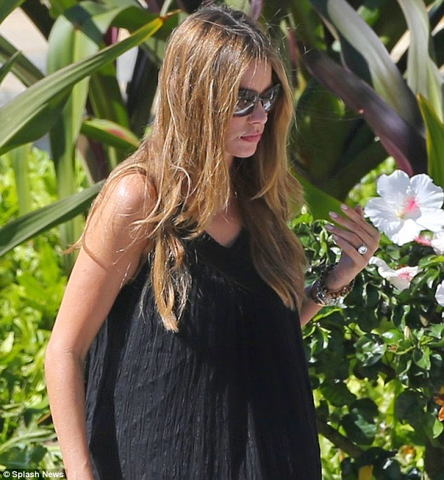 Sofia Vergara Hawaii Holiday Bikini and Engagement Ring Pictures
