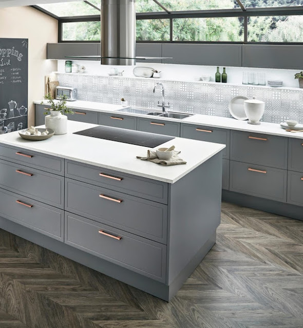 Howdens Lewes kitchen in slate grey