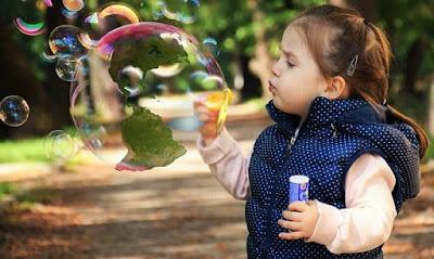 child soap bubble