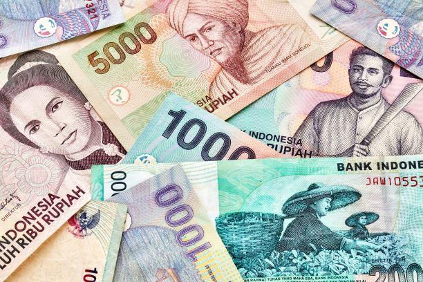 bansos tunai 300 ribu