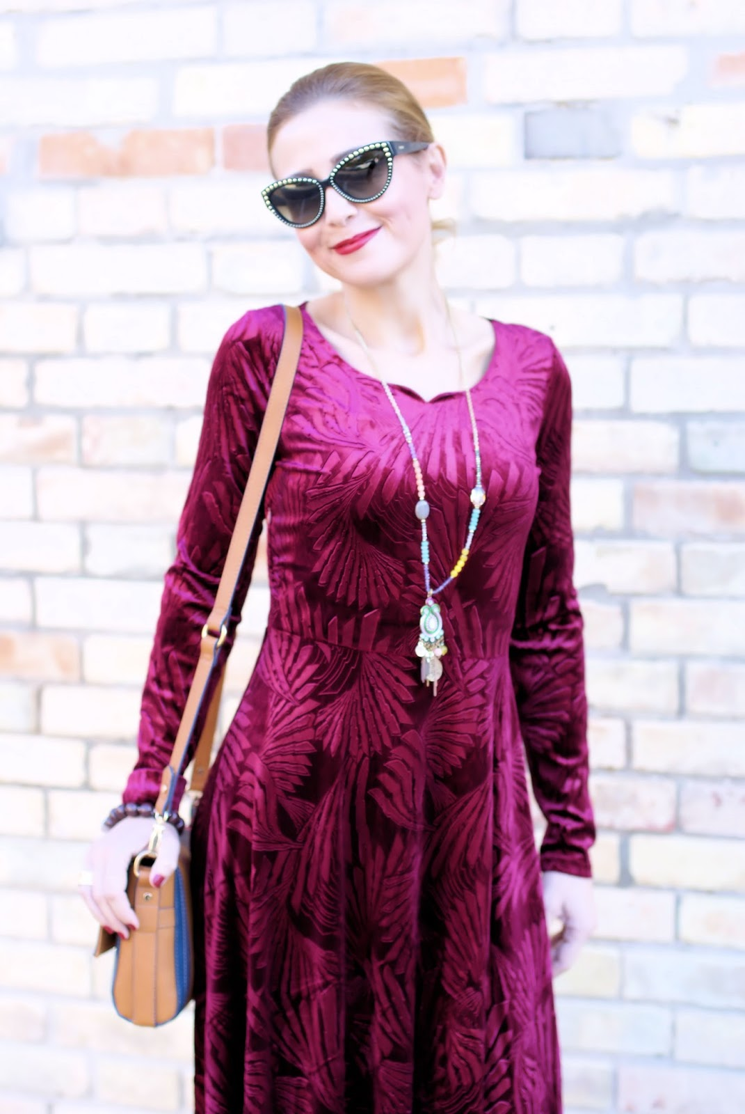 Metisu red velvet maxi dress & sock heels: 70s vibes on Fashion and Cookies fashion blog, fashion blogger style