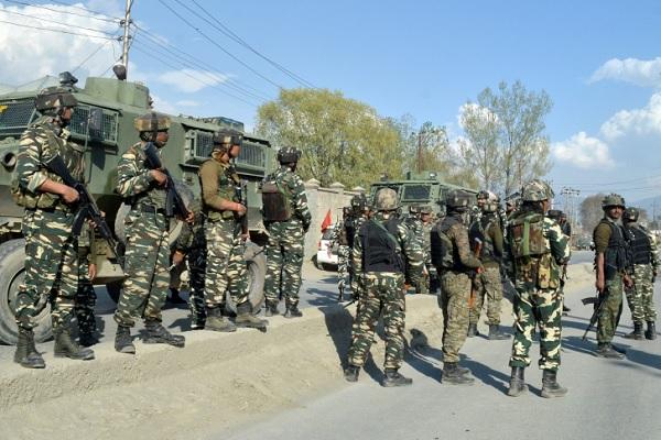आज कश्मीर में होगा कुछ बड़ा, 'सेना CRPF और पुलिस' 24 गाँवों को घेरकर कर रही आतंकियों की तलाश