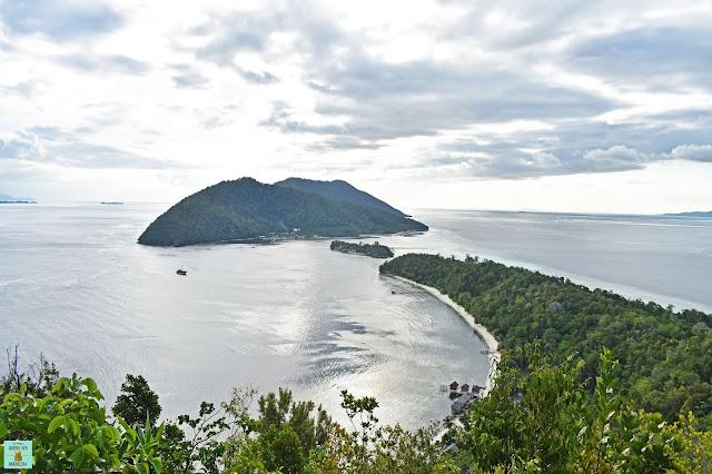 Mirador en isla de Kri, Raja Ampat (Indonesia)