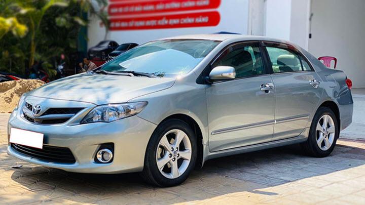 Toyota Corolla Altis 2.0 giữ giá khó tin sau 10 năm sử dụng