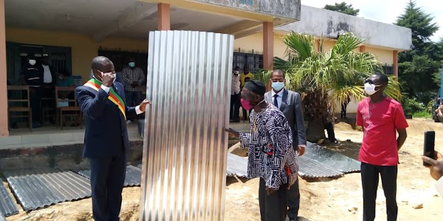 Mezam North MP Donates roofing sheets to Bambui population
