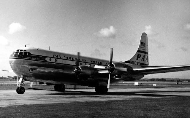Boeing 377 Stratocruiser | Pan American World Airways (N1033V)