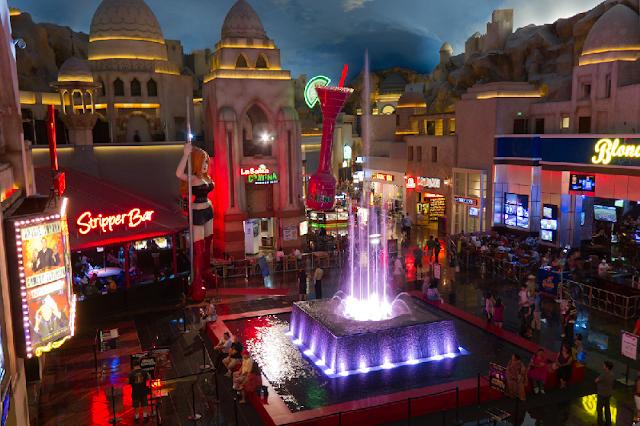Fontes das Miracle Mile Shops em Las Vegas