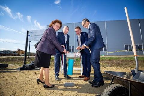 Új összeszerelő üzemet épít Erdőtelken az SBS Kft.