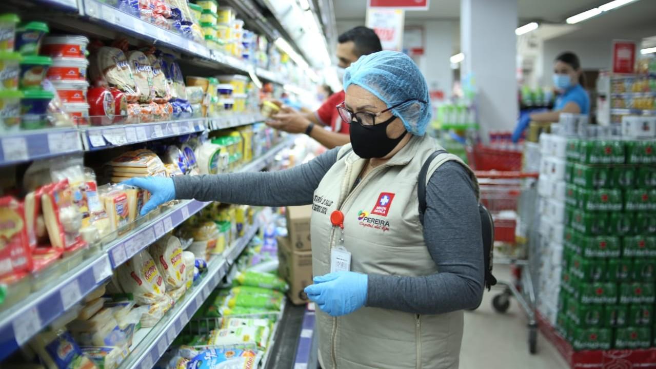 Continúan los operativos de alimentos en supermercados para garantizar calidad de los alimientos que consumen los pereiranos
