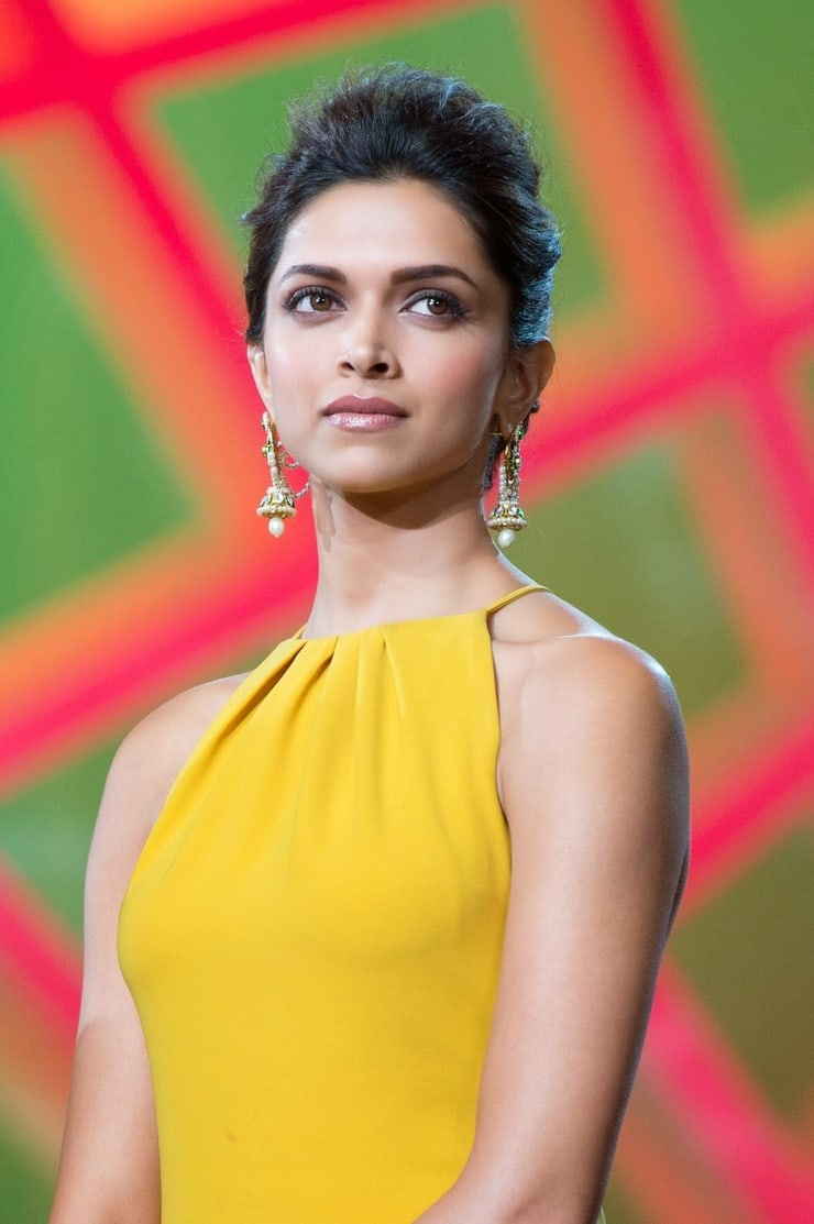 Deepika Padukone Biography, Bra Size, Age, Weight, Height ...