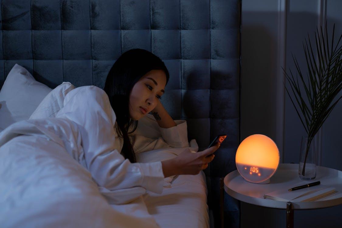 7-kebiasaan-baik-untuk-melawan-insomnia