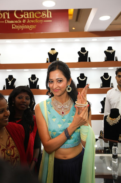 'Radhika Chetan inaugurates the spectacular jewellery expo - Asia Jewels Fair 2016' dazzles Bangalore city!