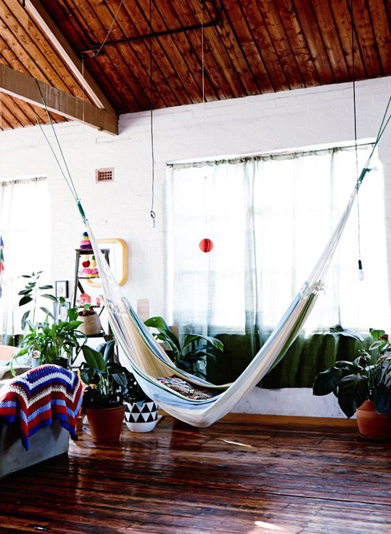 The home of Sarah Nolan via The Design Files #hammock