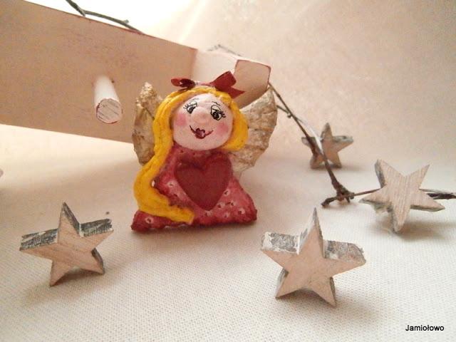 mała anieliczka wykonana z masy solnej